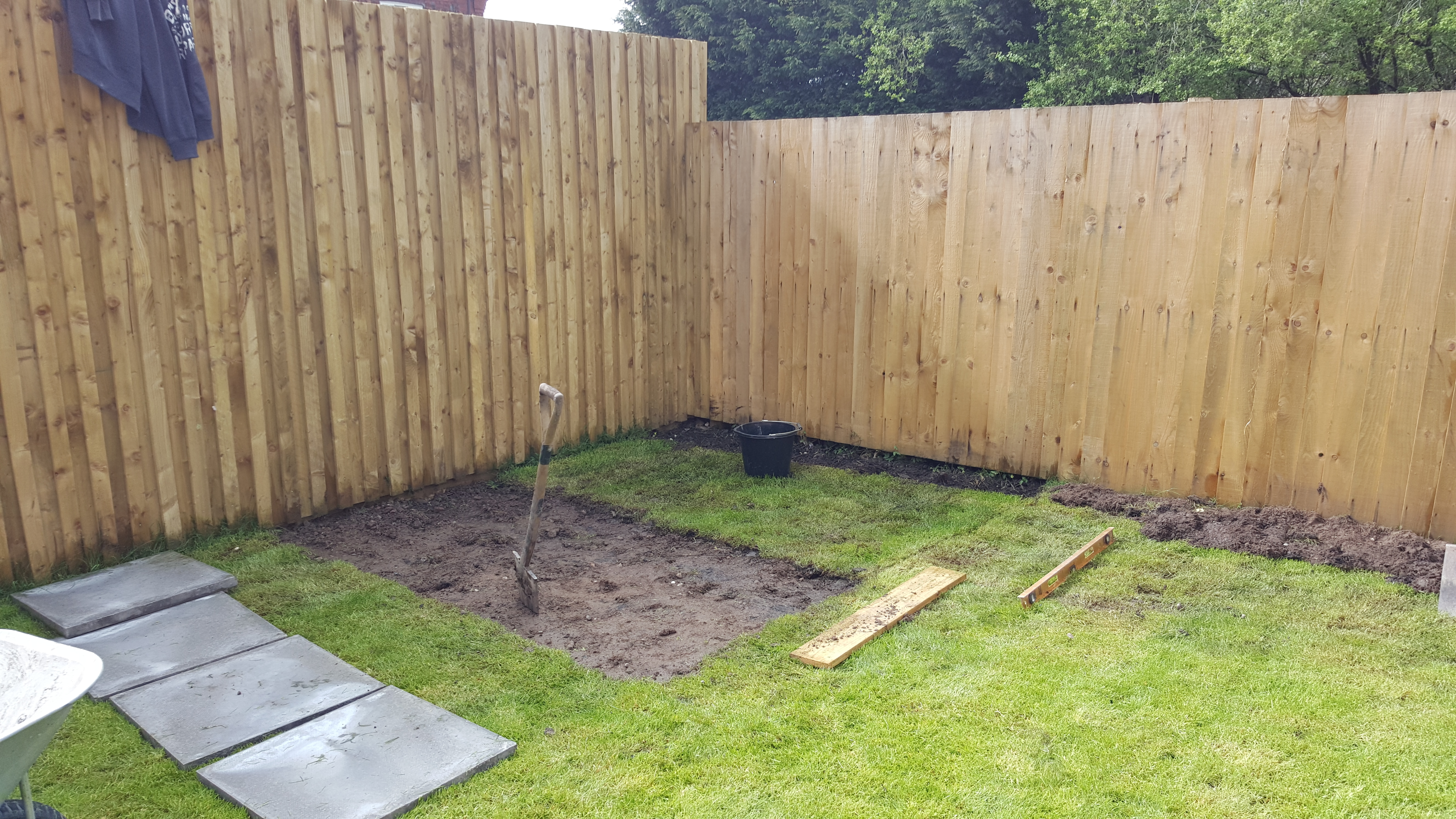 Building a Shed – Thom Bedford