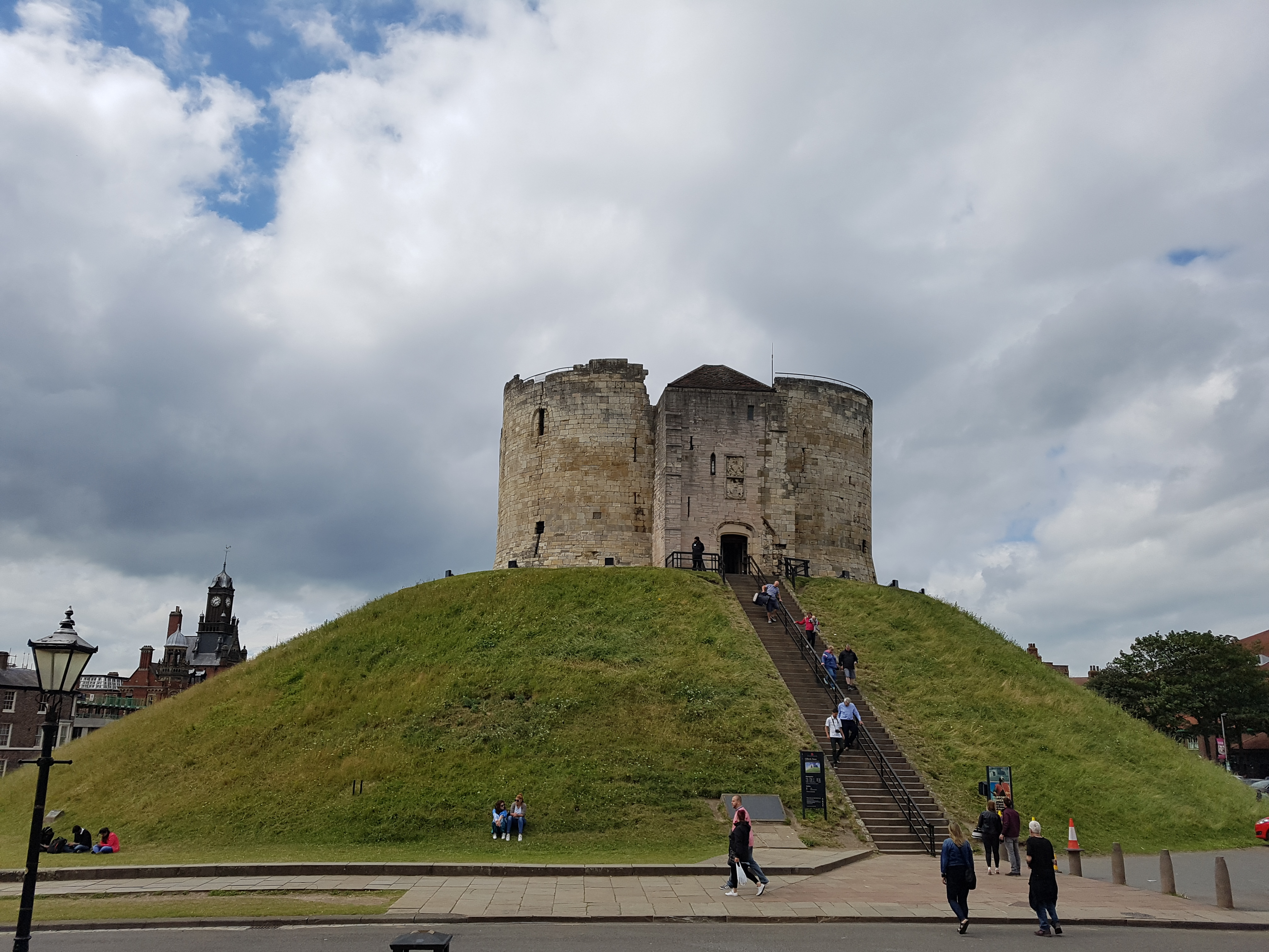 Clifford S Tower York Castle Museum And Bettys Tea Room Thom Bedford
